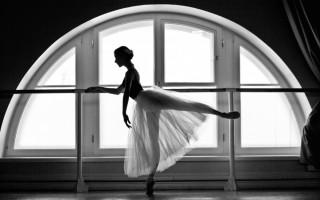 балерина у станка
